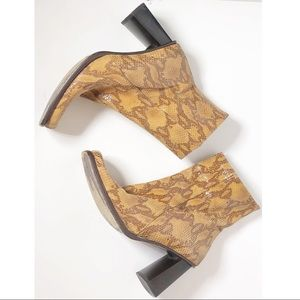 Andrew Steven's boots made in Italy size 37 1/2